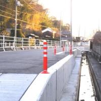 用水管理道路の昇降部。離合箇所の有効幅員は4.9メートルある。